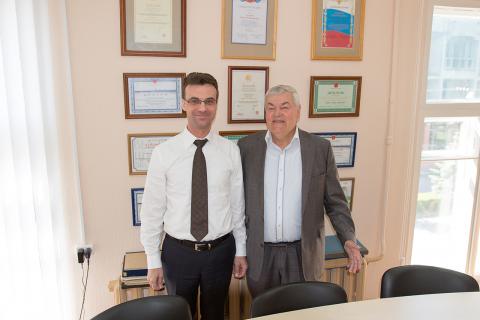 压缩机,真空和制冷工程教研室主任Yu.V. 科祖霍夫和 制冷工程与技术教研室主任,曾担任喀山压缩机械厂和V.B. 施纳普 涡轮压缩机科学中心总经理 的I.G. 希萨梅夫
