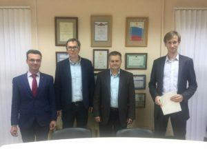 与俄罗斯Ariel代表处的管理层会面。