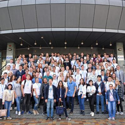 """科學和工程中心""""壓縮機,真空,製冷和氣動系統""""項目經理 阿克謝諾夫和學生的""""壓縮機設備和 Gazprom dobycha Astrakhan LLC學生會議中參與者的SPbPU氣體壓縮,運輸和氣體處理系統"""