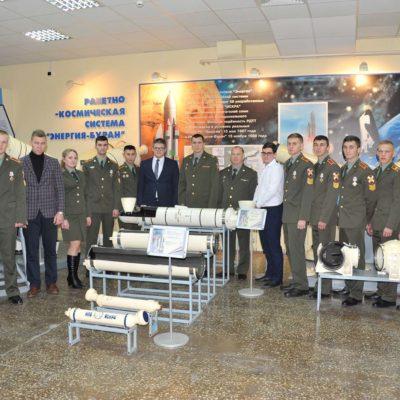"""作为""""第20届俄罗斯航空航天工程,高科 技和创新""""科学和技术会议的一部分中心 项目经理 A.M.丹尼里什参加了"""" Iskra""""非 政府组织的年轻专家会议。"""